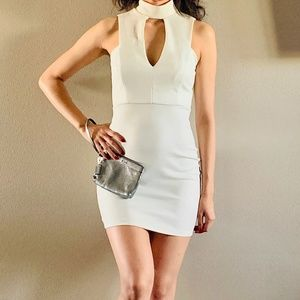 V-neck White Windsor Dress